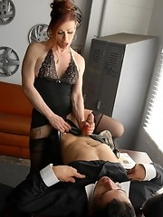 Tempting Jasmine having oral with her supervisor