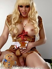 Amazing TS Jesse posing as the gingerbread girl