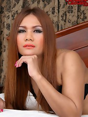 Annie works at King�s II Bar, Soi 8, Pattaya or can be found at Sailor Bar,   Soi 8, too. 26 years old, a more quiet character, but nice to be with, s