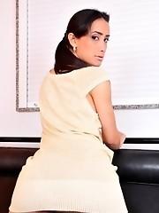 Super hot TS Juliana Nogueira stripping and posing