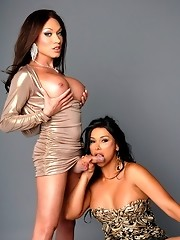 Super hot Mia Isabella getting blowed by Vaniity